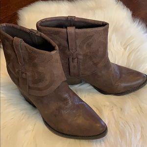 MIA Joshua Ankle Boots Size 9